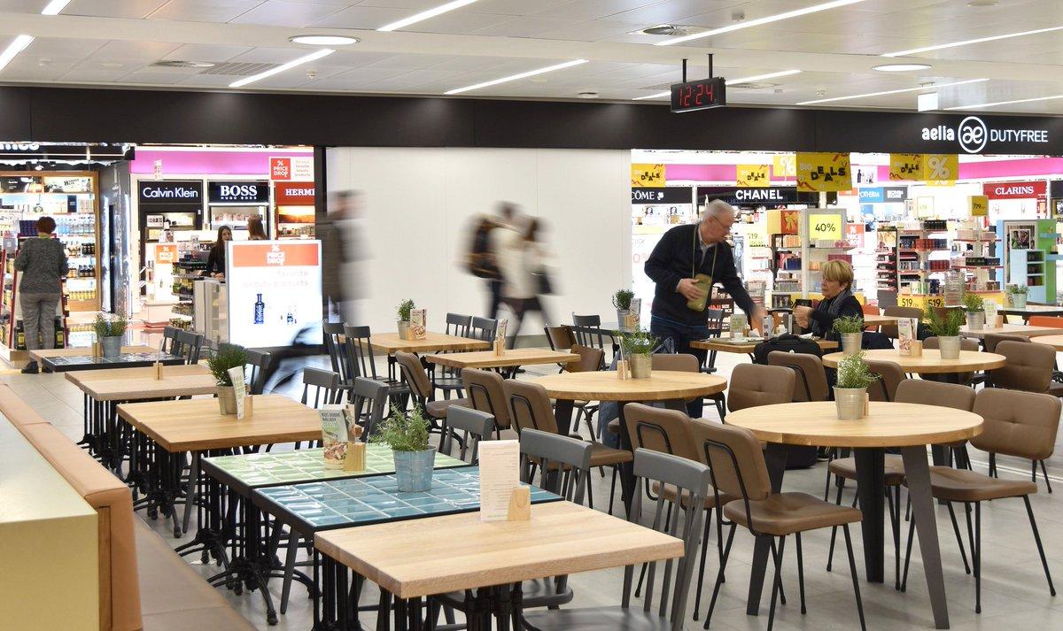 222001262 Více v tiskové zprávě: https://www.prg.aero/letiste-praha-rozsiruje-komercni-prostory-na-terminalu-2-otevira-novou-zonu-s-obchody-restauraci  … ...