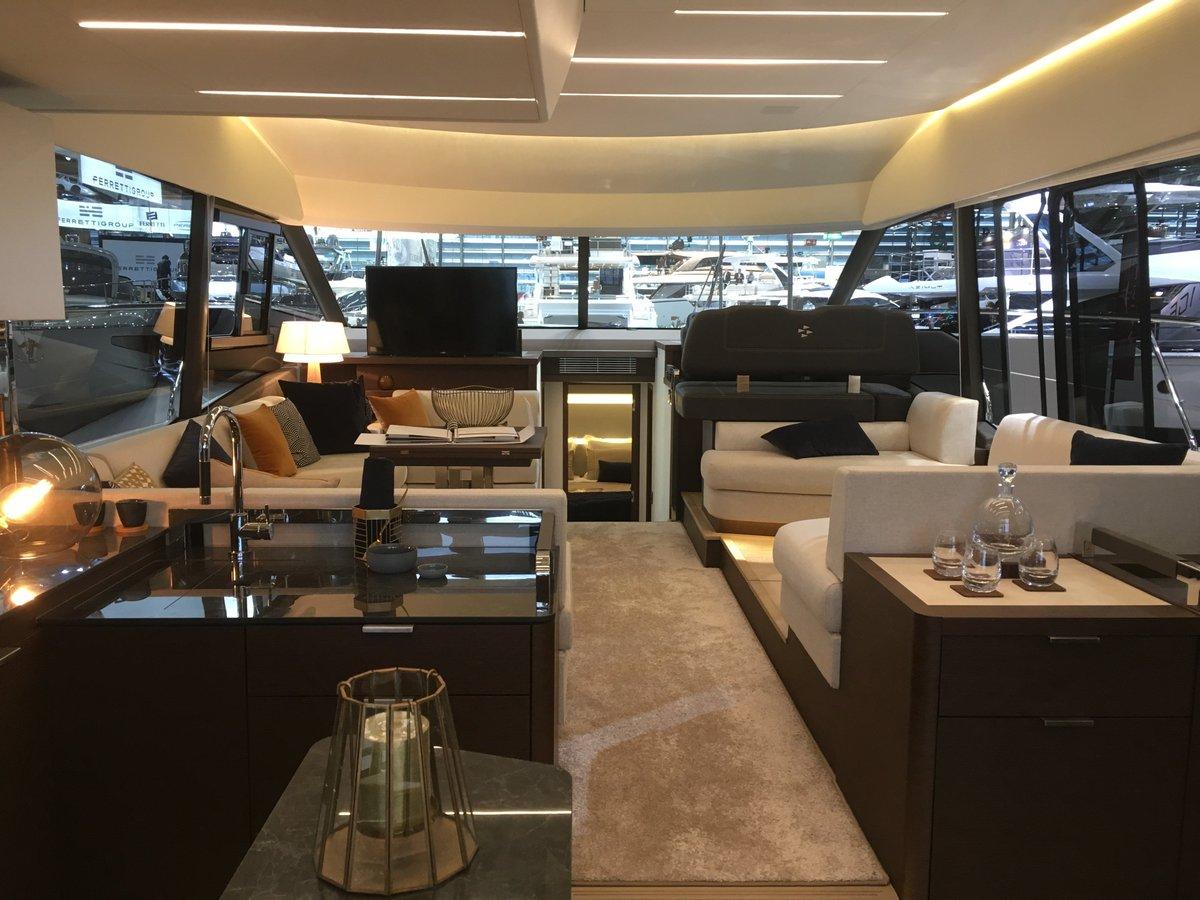 Prestige yachts bootdusseldorf discover the prestige 590 the latest prestige yacht innovation