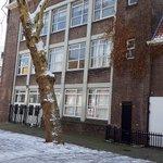 Voormalige hogere school Hillevliet krijgt opknapbeurt!  Vandaag bouwkundige opname gedaan voor op stapel staande grote renovatie hogere school Rotterdam. Renovatie binnenwerk start op korte termijn.