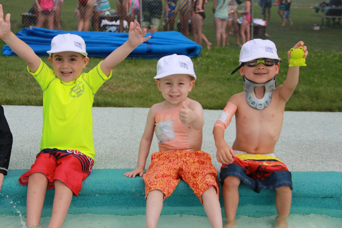 #Ooch #daycamp @CampRobinHood gets the thumbs up from these boys! They can't wait for the hot weather to come back & neither can we. Summer registration is now open so sign up here: https://www.ooch.org/camp/camp/camper-registration…