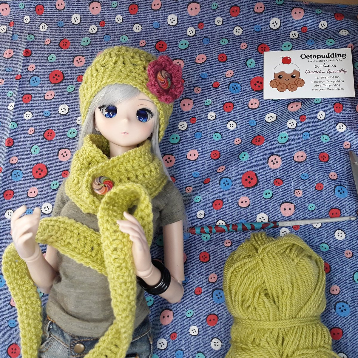 Crochet doll scarf and beanie tutorial and free pattern | Crochet ... | 1200x1200