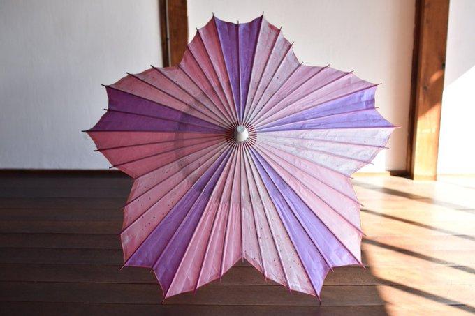 素晴らしい日本の技術!桜型の和傘を有名ハリウッド女優にプレゼント