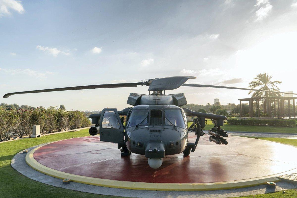 تعرف على مروحيه Black Hawk المطوره في دولة الامارات العربيه المتحده  Dxmpy3MWoAAMeGl
