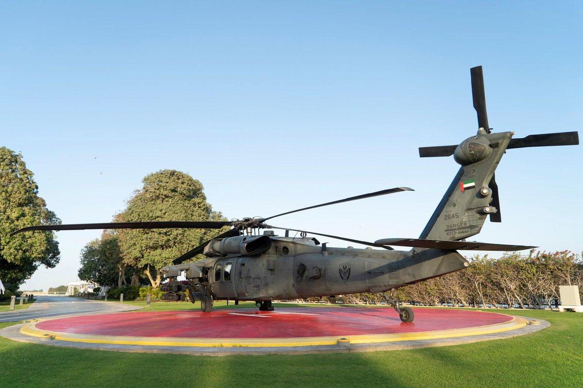 تعرف على مروحيه Black Hawk المطوره في دولة الامارات العربيه المتحده  DxmpzvRWwAAMlLD