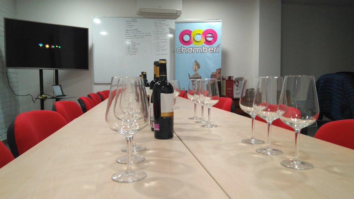 Todo preparado para la cata de vinos de esta tarde en #Chamberí si estás asociado o te interesa serlo no dejes de pasarte a las 19:00 en C/Vallehermoso, 40.