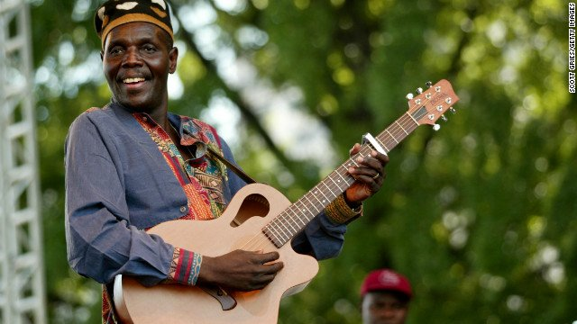 Zimbabwean music legend Oliver Mtukudzi, popularly known as Tuku to his fans, is dead https://t.co/ZA2dav9eUN https://t.co/2SwAA3CnoE