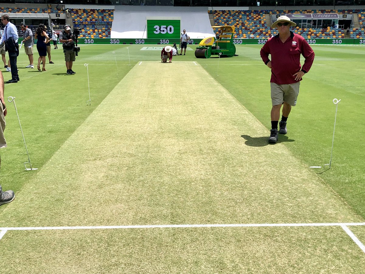Welcome to the Gabba for day one of the first Domain Test against Sri Lanka. Toss 90 mins away. Here's the pitch #AUSvSL