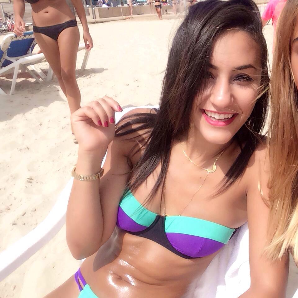 hot-israeli-teen-bikini-team