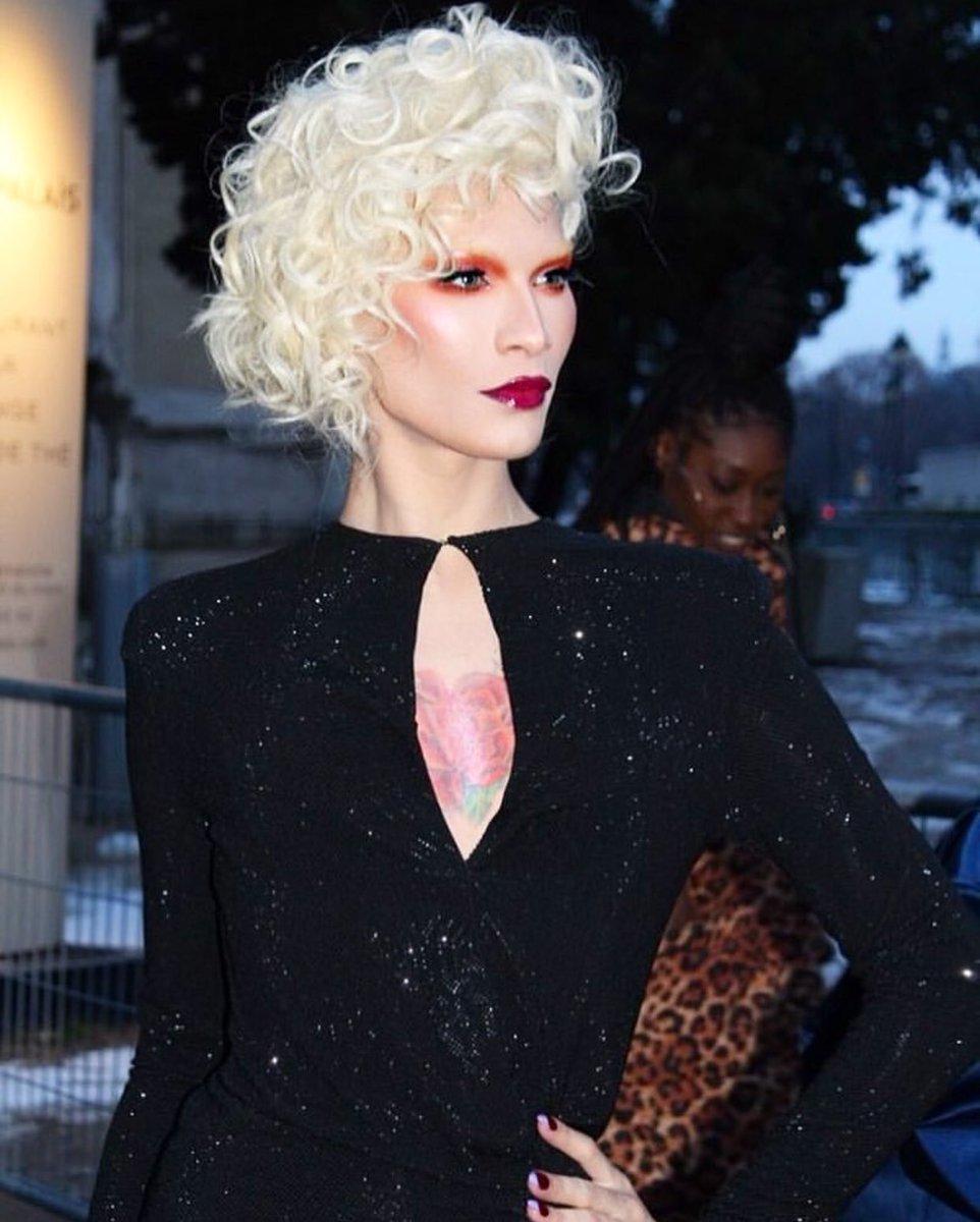 RT @MissFameNYC: Loved the @ALEXVAUTHIER show. #Paris #Couture https://t.co/lfwpSNAQq6