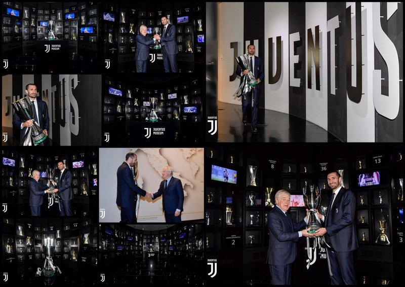 #SuperJuve #JuveMilan (1-0): Hoy nuestro capitano #Chiellini 🇮🇹 ha llevado la #SupercoppaItaliana 🏆 (trofeo conquistado en #Jeddah 🇸🇦) y se la ha entregado a  Paolo Garimberti (presidente del #JMuseum). 📸 Las mejores fotos. ⬇