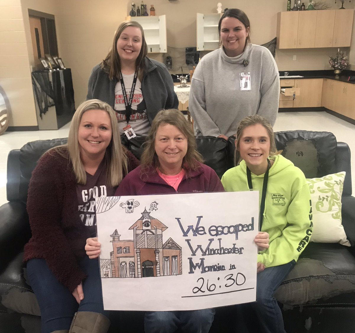 Night #2 of our 5th grade service learning project....3 out of 4 groups escaped!! And all of them with escaped with only 5 minutes or less left!! #WinchesterMansion #cityofrefuge #5thgrade @BeulahRalphElem @MsJenBrownBEU @Ms_Pattonbeu @QImler @jstarke9