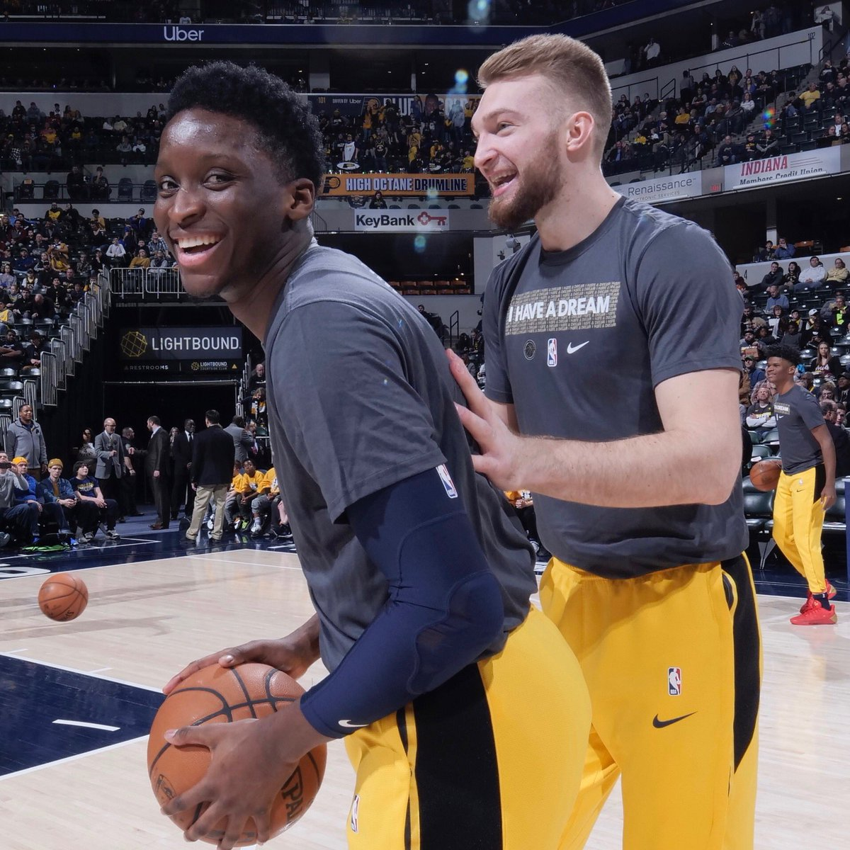 Prayers up to my brother @VicOladipo 🙏🏻🙏🏻🙏🏻 #Family