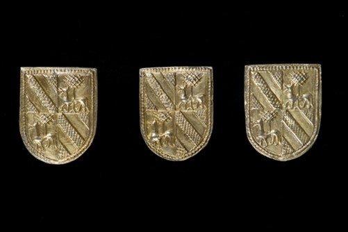 En la Judería en 1988 se encontró un ajuar de plata del siglo XIV conocido como el Tesorillo de #Briviesca. Se encuentra en el Museo de #Burgos @museoscastyleon