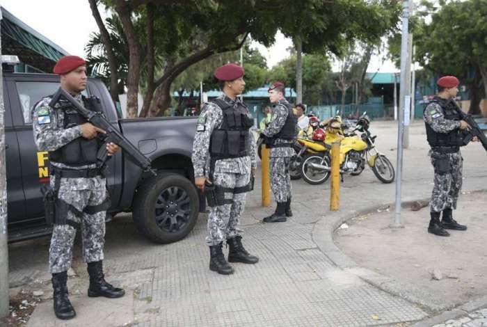 😢 #odia #JornalODIA  Troca de tiros com policiais no Ceará termina com seis mortes  Confira: https://t.co/MV3mD1SBHa