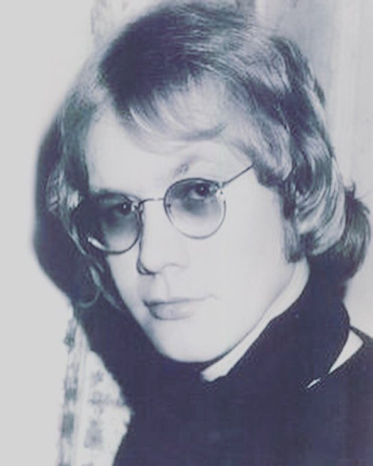 Happy birthday to the late Warren Zevon. He would have been 72.