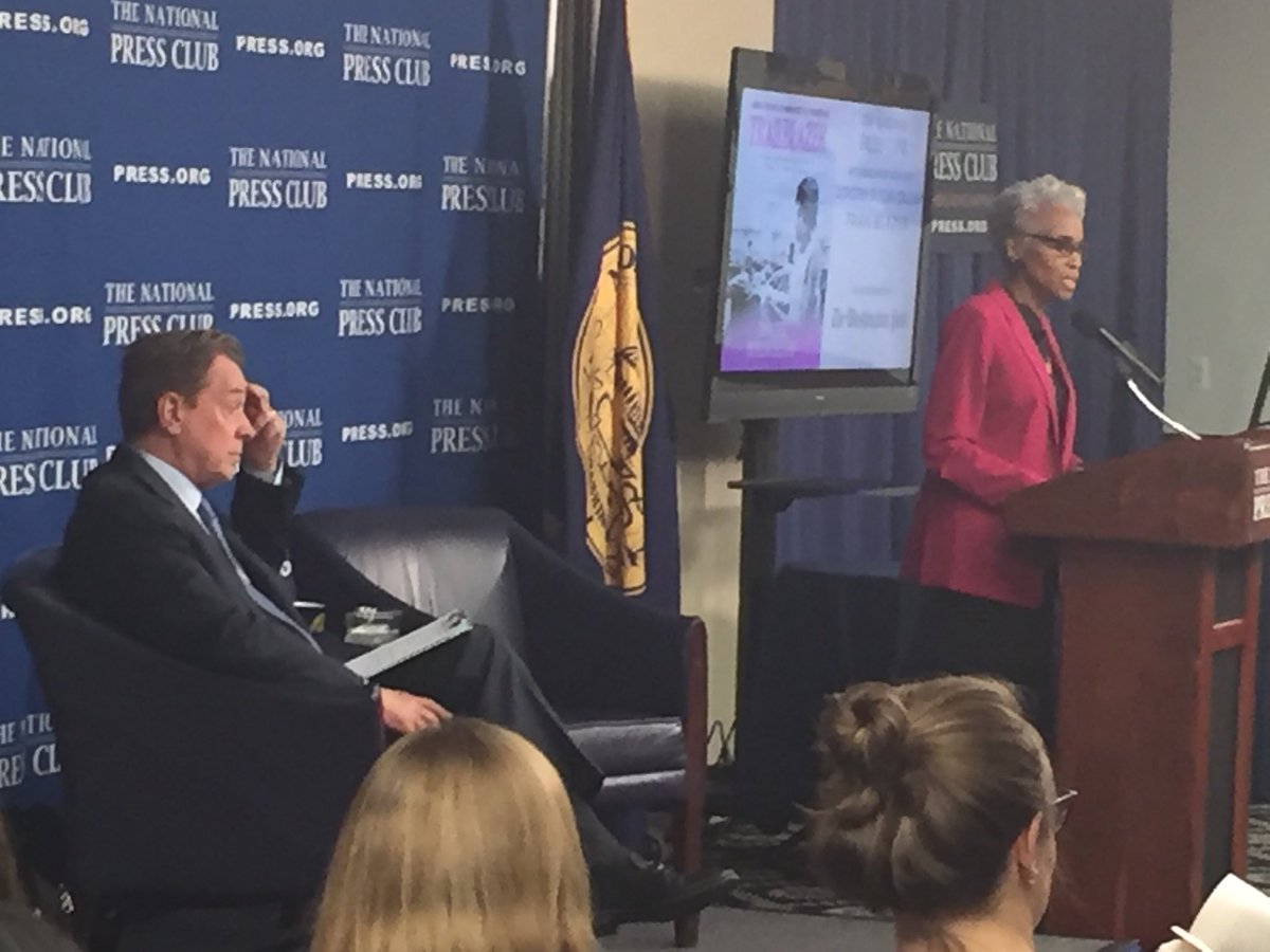 """Veteran journalist Dorothy Gilliam, retired Washington Post columnist, discussing her book """"Trailblazer"""" at the National Press Club tonight. Serving as host Fmr WJLA News Director Bill Lord. Big turn out as Dorothy discusses covering civil rights in the South in the 1960s."""