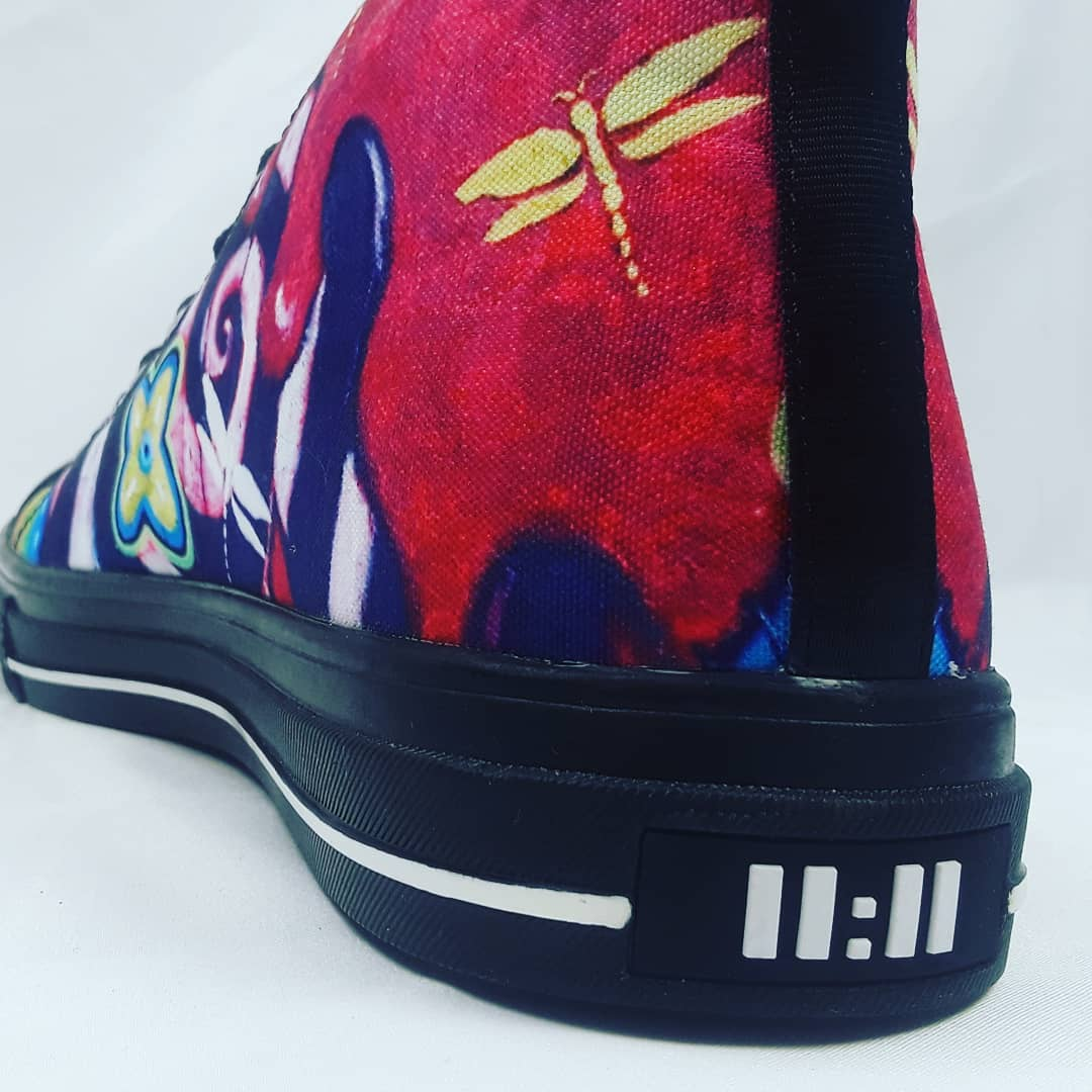 My art on hightops! Coming soon to a store near you. #11:11style #workingartist #designerhightops #kellibickmanart #fashionpassion pic.twitter.com/qHW4HtKGR0