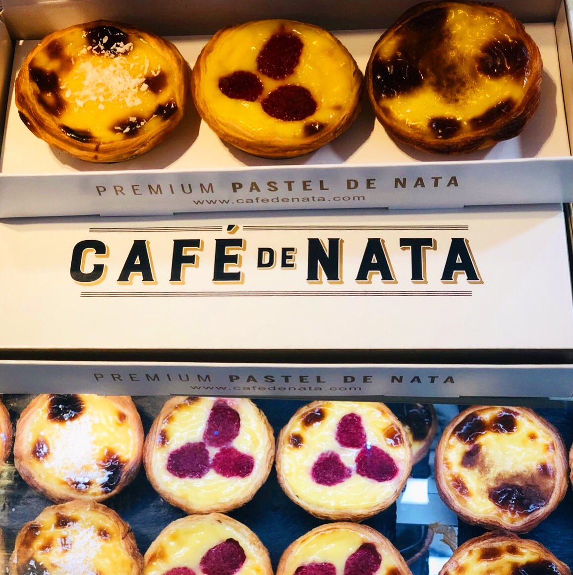 If Friday had a face this is what it would look like!! ☕️🥧   #cafedenata #london #southkensington #hammersmith #soho #watchthisspace #portugal #pasteisdenata #saudades #deliciosos #delicious #fresh #freshlybaked #crispy #warm #smooth #instagood #foodie #friday #weekendvibes