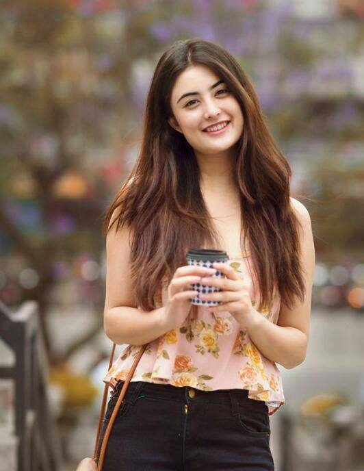 #NitiShah the vibrant beauty from #Nepal   Her elegance is breathtaking, who participated in the national beauty pageant in 2017 called Miss Nepal. Love her much.