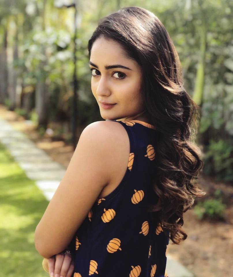 Tridha Choudhury Biography,Facts , Age, Life Story ,Images | World Super star bio
