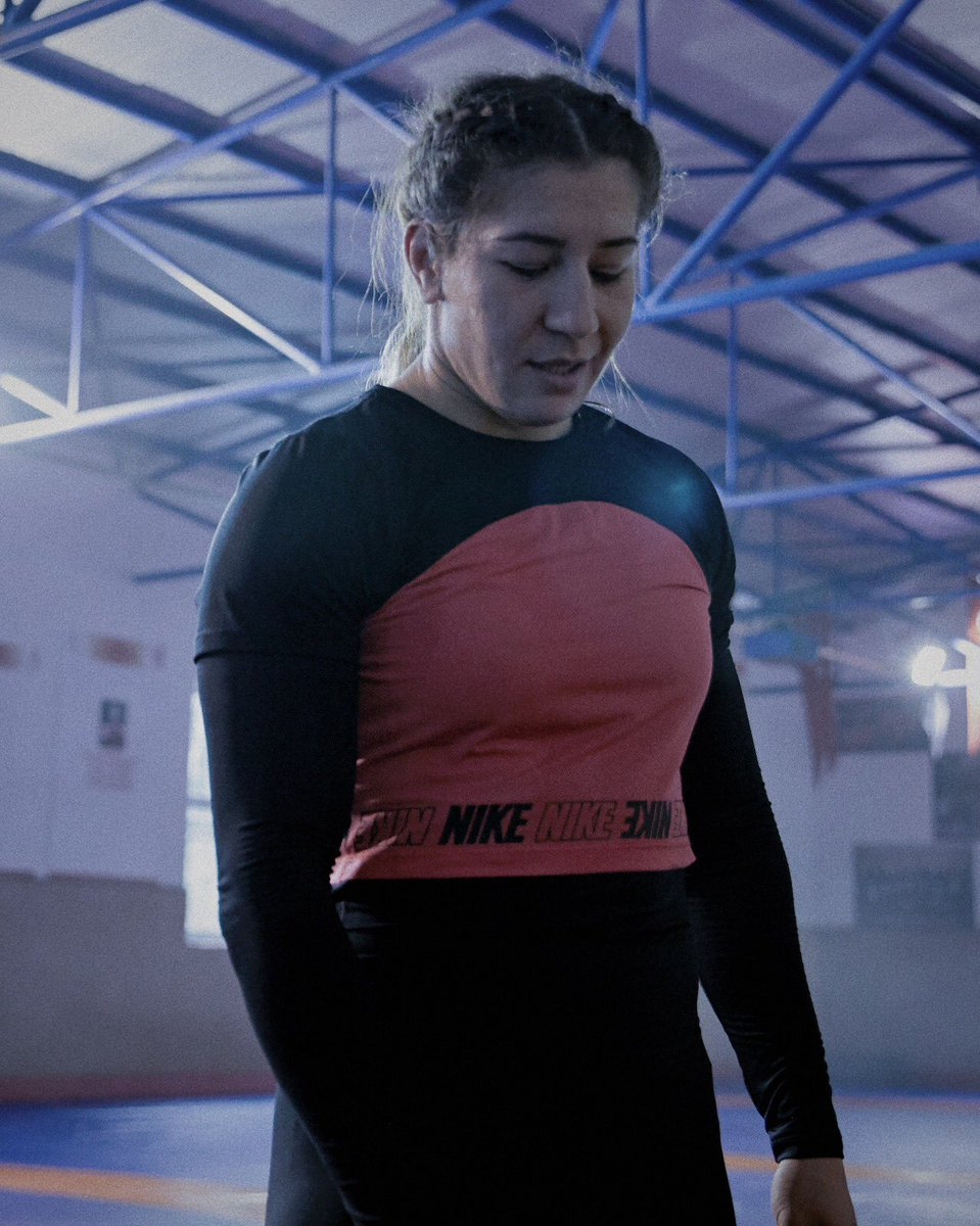 Dünya ve Avrupa Şampiyonu kadın güreşçi Yasemin Adar; Dünya, Avrupa ve Grand Slam Şampiyonu tekvandocu @iremyamany, Nike'ın başlattığı 'Hayallerin için Mücadele Et' isimli global kampanyanın yüzleri oldu. #FightYourDreams