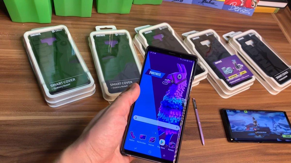 フォートナイトラボ Twitter પર Galaxy Note 9スマホケースを購入した方が入手出来るもの 1 ホーム ロック画面の壁紙 2 ギャラクシーラマスプレー 3 1000v バックス 4 アプリのアイコンテーマ Via Twoepicbuddies Fortnite フォートナイト T Co