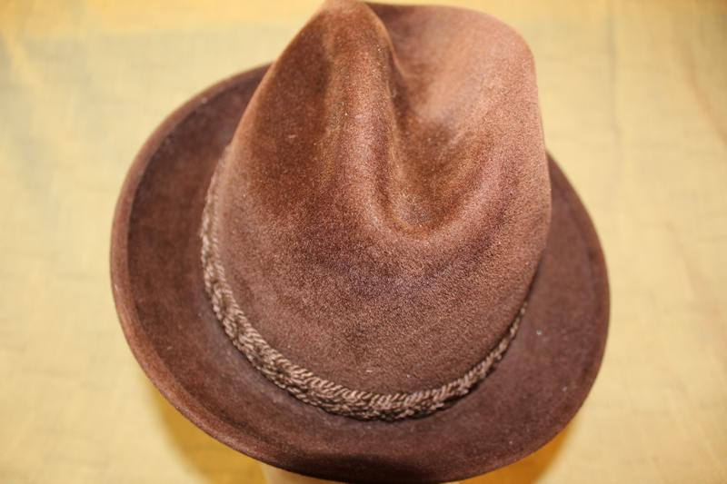 0b59662a85884 Vintage Stetson Sovereign Dark Brown Trilby Fedora Velour Size 7 Men s  Fashion https