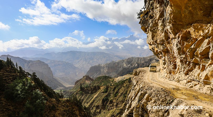 Upper Mustang: Dangerous roads lead to beautiful places http://ow.ly/9C8m30l1ccq via @OnlineKhabar_En #adventure #travel #VisitNepal #travel2018 #RemoteTravel #TravelAsia #SocialSaturdaypic.twitter.com/h8MRFIjbI7