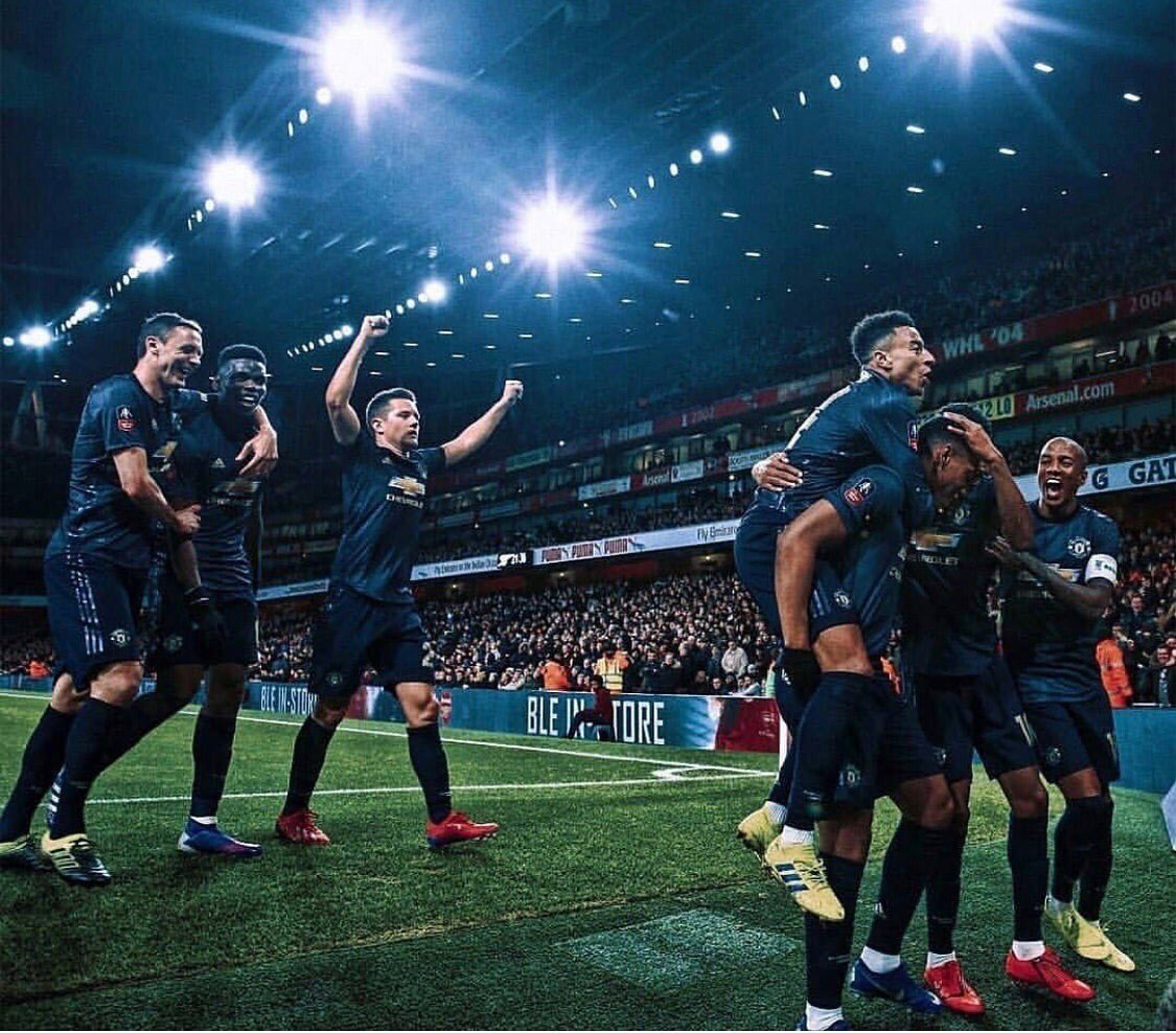 That FA Cup winning feeling 🔴😄#facup