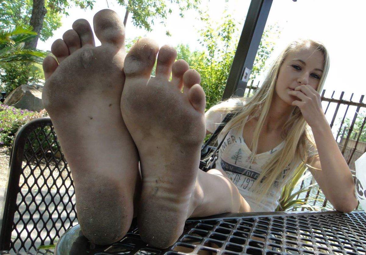 Free Dirty Feet Sex Galleries