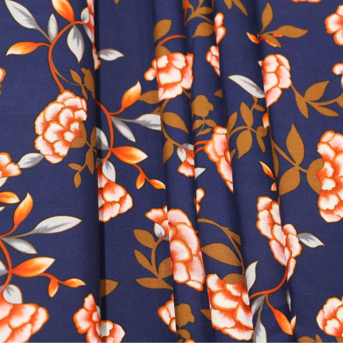 ¿Quieres añadir un poco de color a tu armario?Tenemos Chalís Estampado, con su fondo azul resalta el naranja de las flores.  . . #Cortitelas #Honduras #LoMejorenTelas #ModaHonduras #FashionHonduras #ImaginaTodoloquePuedesCrear #Crealo #Diseñalo #Imagínalo #Crea #Imagina #Diseña