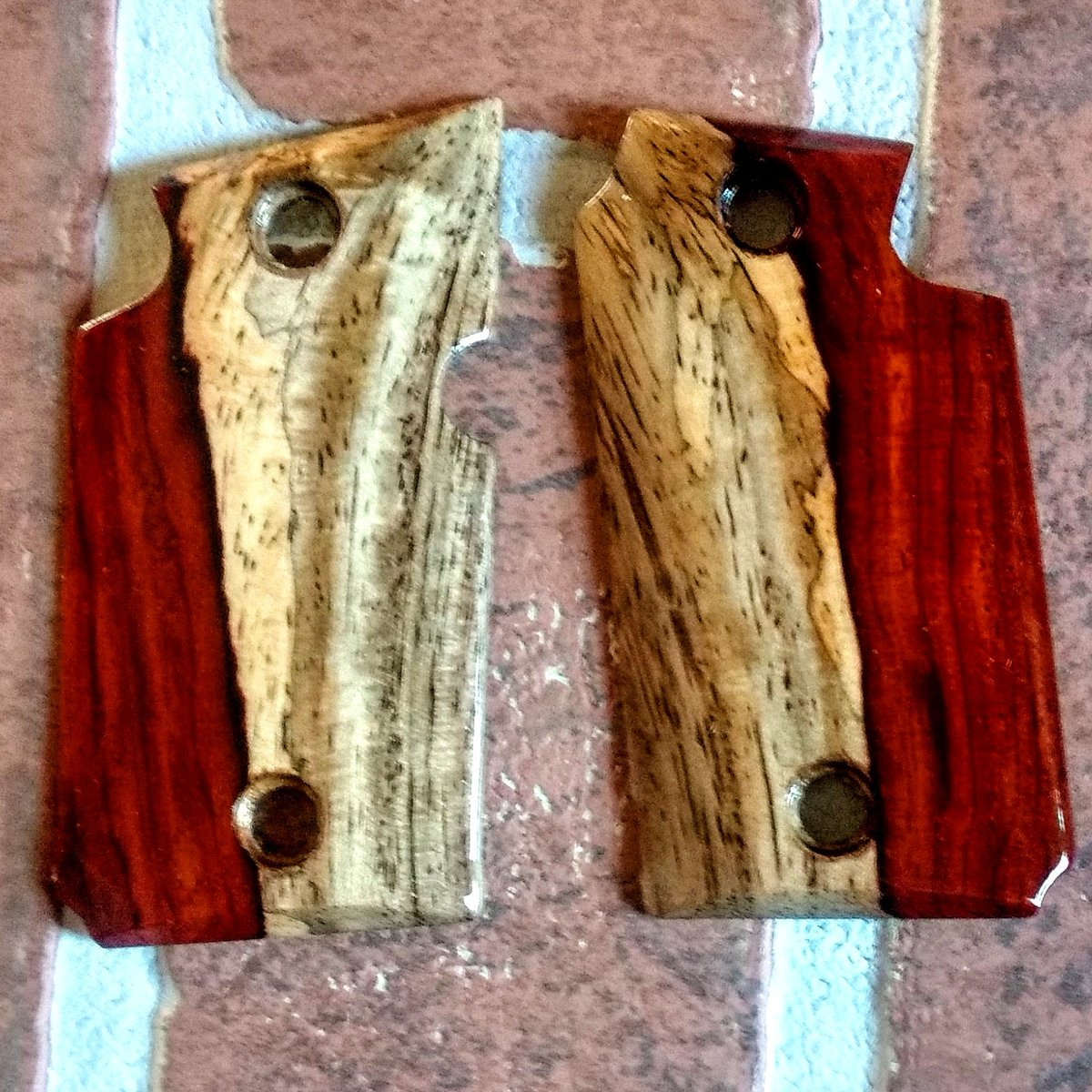 cocobolo1911grips tagged Tweets and Download Twitter MP4 Videos | Twitur