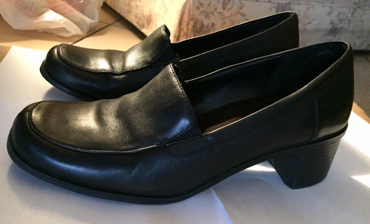 e67818d2a31 ... black leather 2 inch chunky heel loafer shoes - size 8  shoes  women   sliponloaferheels  leatherloafers  chunkylowheel  vintageloafers   croftandbarrow ...