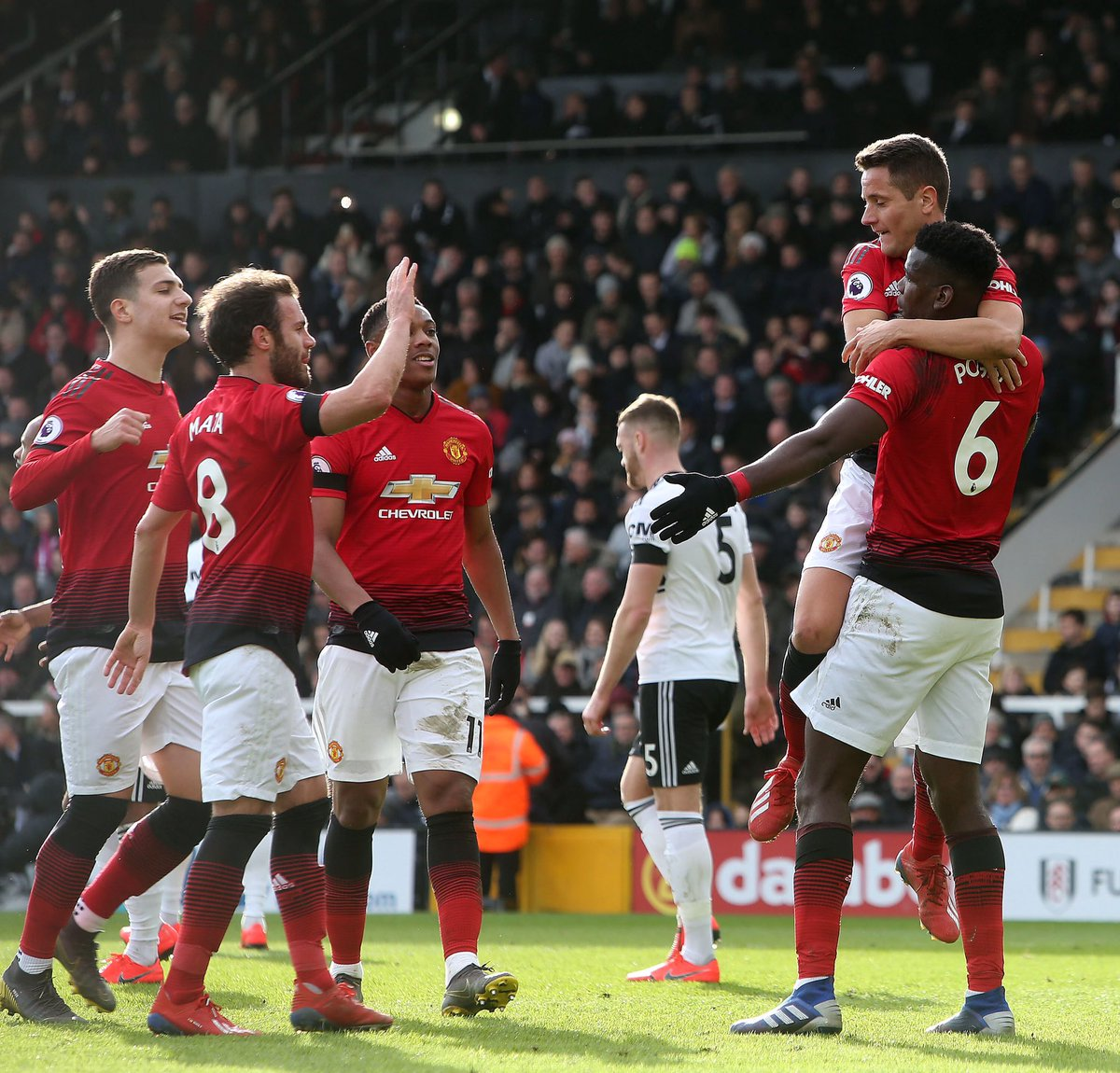 Three massive points for us at Fulham 🔴😉