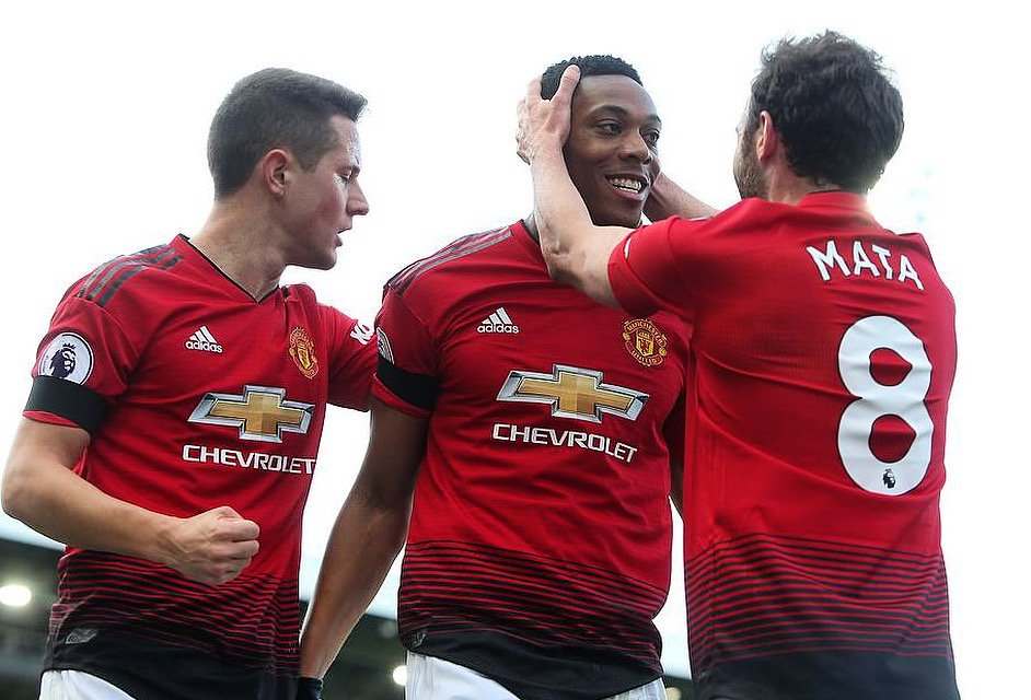 """Listen @AnthonyMartial, you are very good at playing football, you know that right?"" @ManUtd 🔴⚪⚫ #FrenchRonaldo 🙌💥"