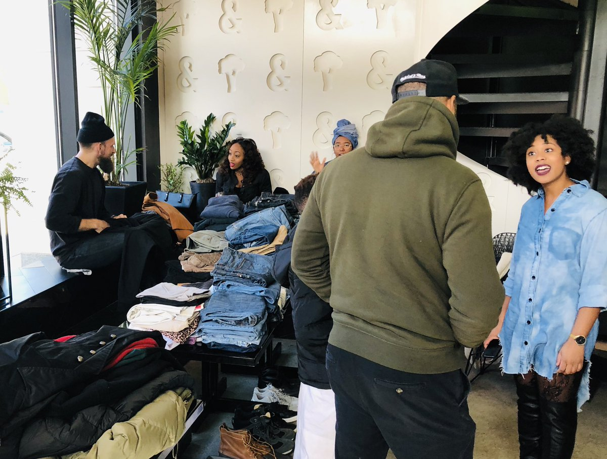 The jeans are piling up! Local groups are hosting a jean drive for homeless community. Other warm clothes welcome, but jeans are especially needed! At &amp;Pizza on 7th near Shaw Metro until 2PM.@wusa9 #getupdc@begreatdc #inthosejeans @tenclothing<br>http://pic.twitter.com/Zu9uZyh10r &ndash; à Broccoli Bar