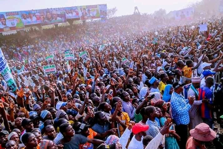 Dy01xQbW0AYtpfa - What Do You Think Of This Crowd At Buhari's Rally In Adamawa, Atiku's State??? – A Sign Of Victory Or Defeat In Atiku's State???