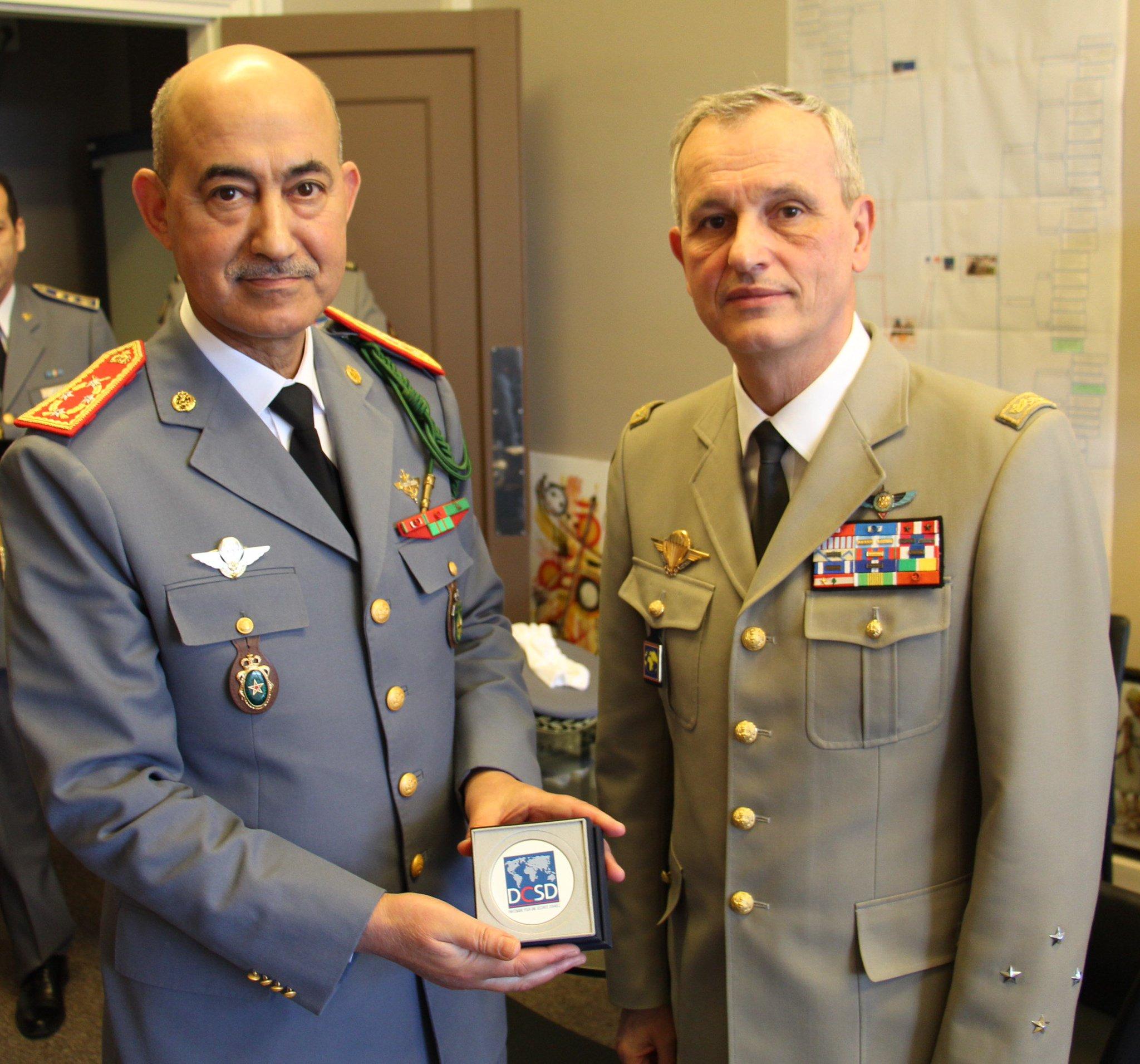 Coopération militaire Maroco - Française  - Page 3 Dy0AVnKX4AEvRaJ