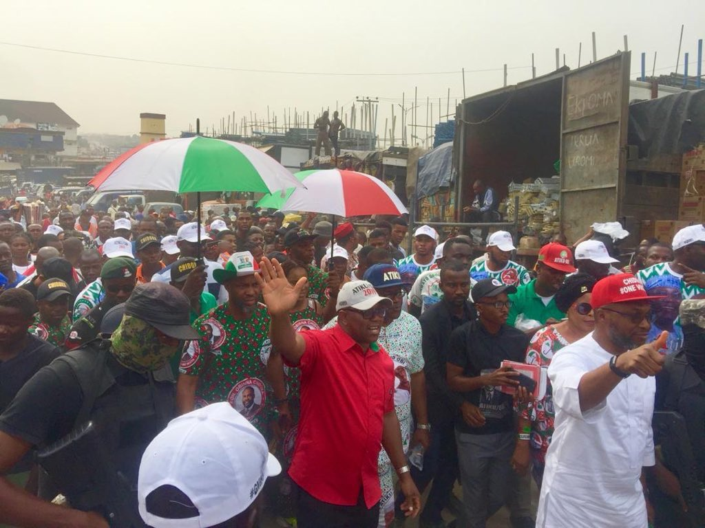 Traders in Anambra State spontaneously closed their shops today to catch the glimpse of Mr. Peter Obi on hearing that he was around. Mr. Peter Obi, the Vice Presidential candidate of the PDP had paid unscheduled visit to some markets in the state. #AtikuObi2019 <br>http://pic.twitter.com/WSdyE27tmK