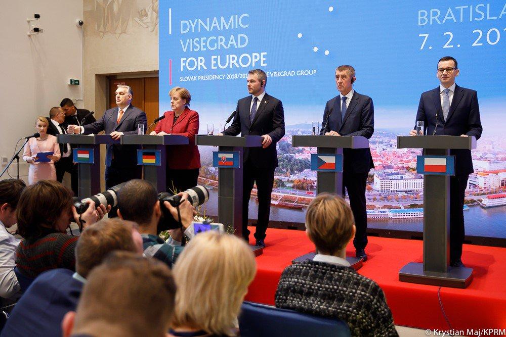 Grupa Wyszehradzka jest najważniejszym partnerem handlowym Niemiec - większym niż USA czy Chiny - a Polska w tej wymianie odgrywa istotną rolę. Dlatego wizyta Kanclerz Angeli Merkel na szczycie V4 była kolejną okazją do istotnych rozmów o przyszłości UE i kwestiach gospodarczych.