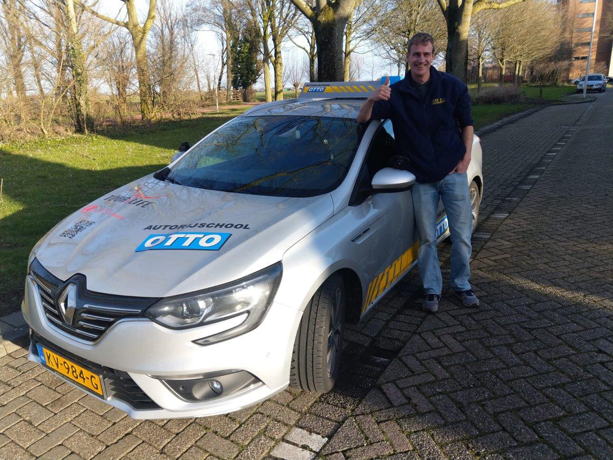 test Twitter Media - Johan Nuis Van harte gefeliciteerd met het behalen van je rijbewijs. https://t.co/uTInKf1kHM