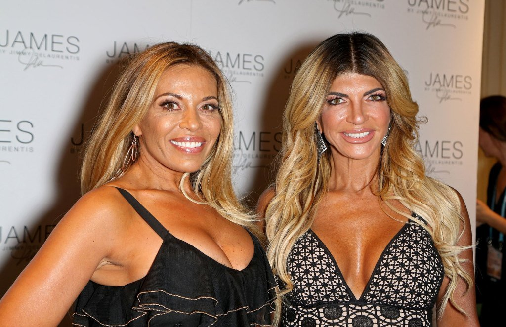 RHONJ's Dolores Catania: I 'Hope' Teresa and Joe Giudice StayTogether  https:// isupdate.com/rhonjs-dolores -catania-i-hope-teresa-and-joe-giudice-stay-together/ &nbsp; … <br>http://pic.twitter.com/DDGvYFDSAn