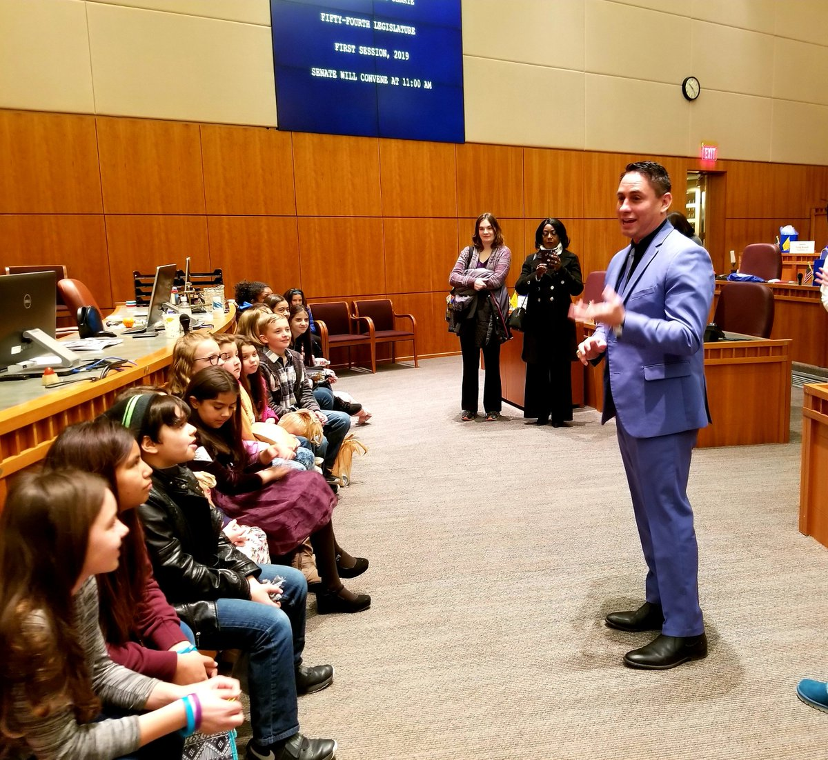 Beautiful children from Comanche Elementary in ABQ visited the Capitol today. I had the chance to meet with them, to listen to them & to speak to them. We will focus on a good education for these and all children in #NM, because it is the key to everything. @ComancheCubs #nmleg