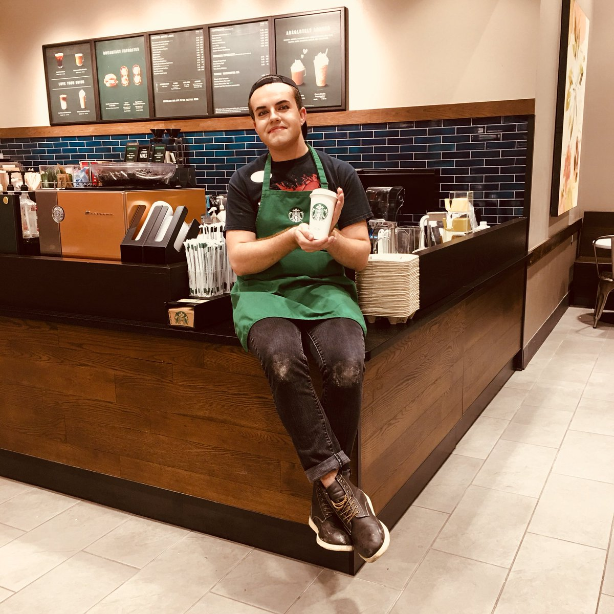 Cherry mocha rolled out today!! Come to T-1105 to experience the flavors of cherry and mocha, meeting our signature espresso!  #Cherrymocha #Starbucks #T1105 #Delishhhhh #comegetyousomeee <br>http://pic.twitter.com/fpBDVX874c