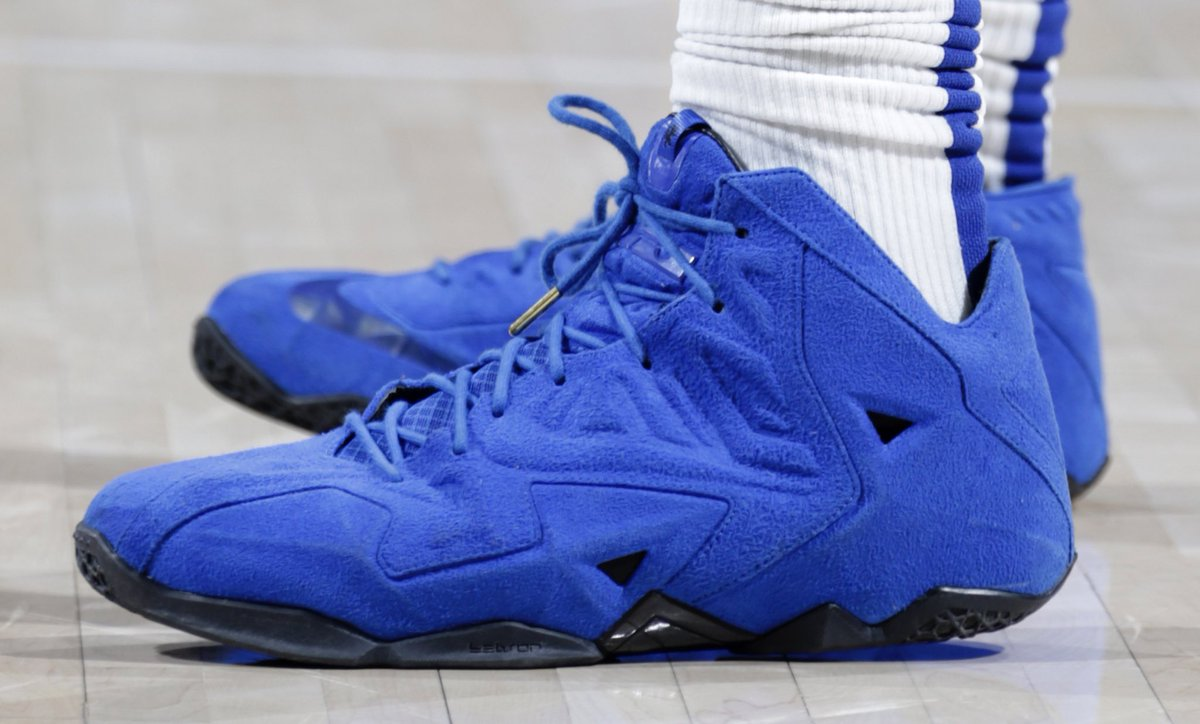 """online store 24ccd cad7a MONSTATREZZ switched to the """"Blue Suede"""" Nike LeBron 11 EXT. 📸"""