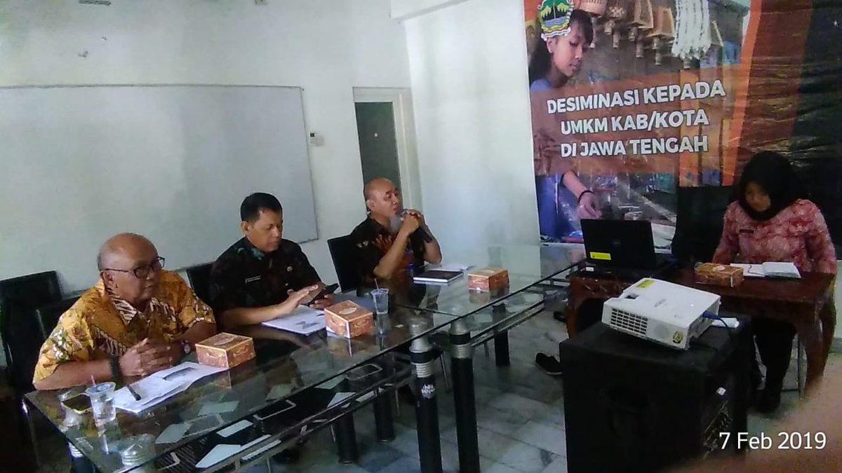 [Late Post] Diseminasi kepada UMKM Kab/Kota di Jawa Tengah dalam rangka implementasi peraturan pemerintah no.24 th.2018 tentang pelayanan perizinan berusaha terintegrasi secara elektronik.  7 Februari 2019, Resto Segodalem Pekalongan