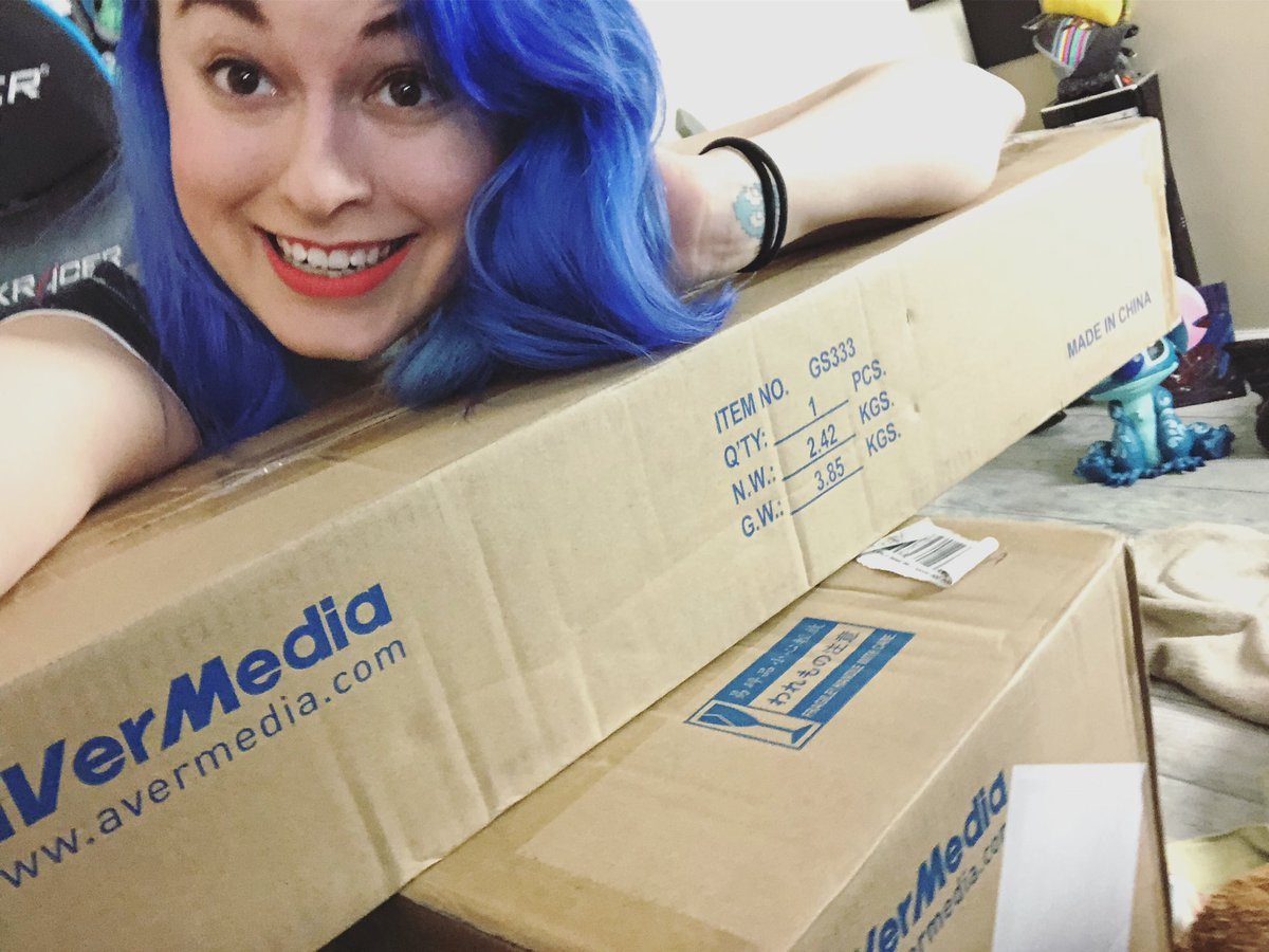 Got some cool new things from @AVerMedia today going to be opening it on stream! 🥳🥳 #AVerMediaPartner #Ad  http://www.twitch.tv/icyrayne
