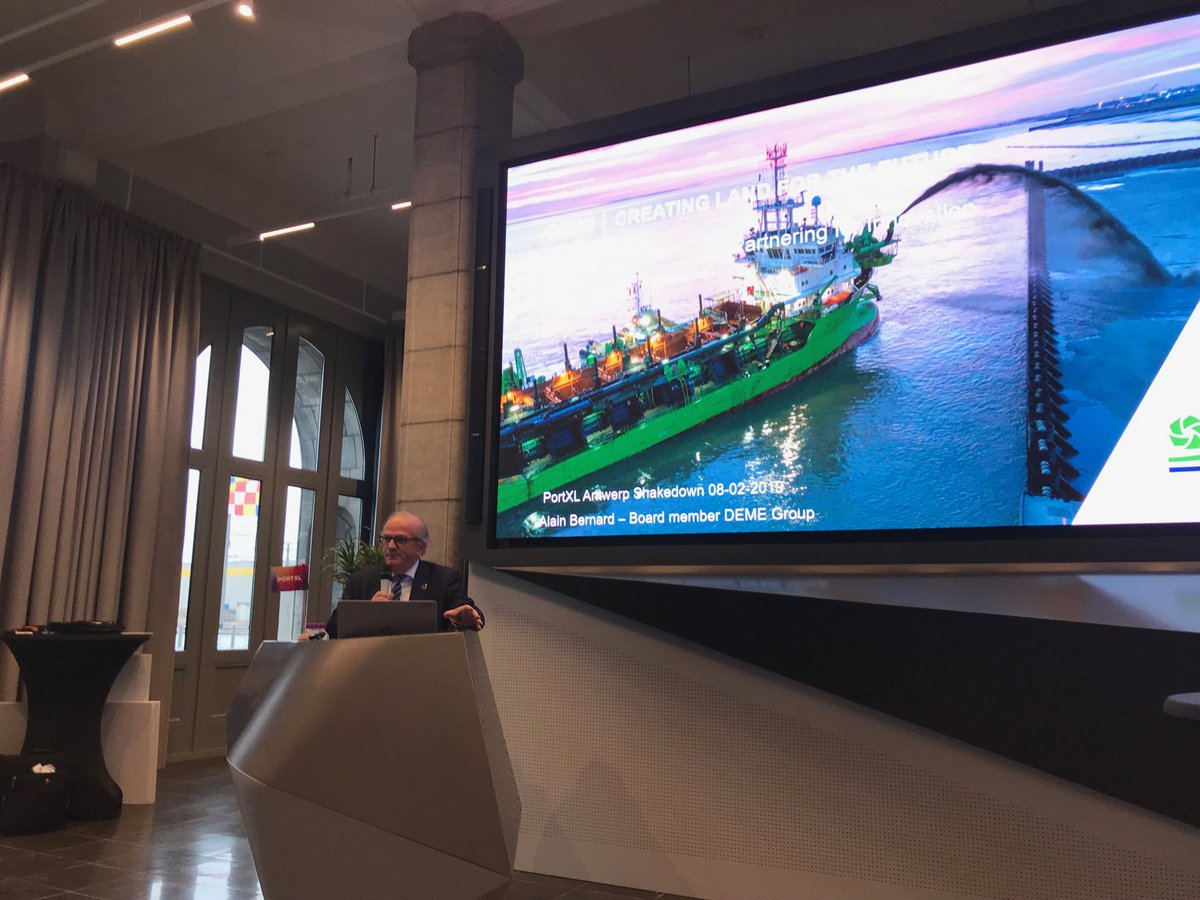 Throughout history, people have continuously demonstrated the capacity to meet challenges. That is not different today. An optimistic note by Alain Bernard @DEMEgroup to kickoff @PortXLglobal #Antwerp #shakedown #innovation #startups @WPSP_IAPH – at Nieuw Havenhuis