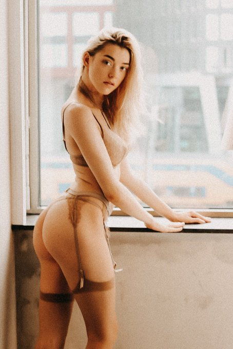 Want some 🍑?  #bum #butt #bootypics #lingerie #lingeriemodel #stockings https://t.co/DtnELhW61u