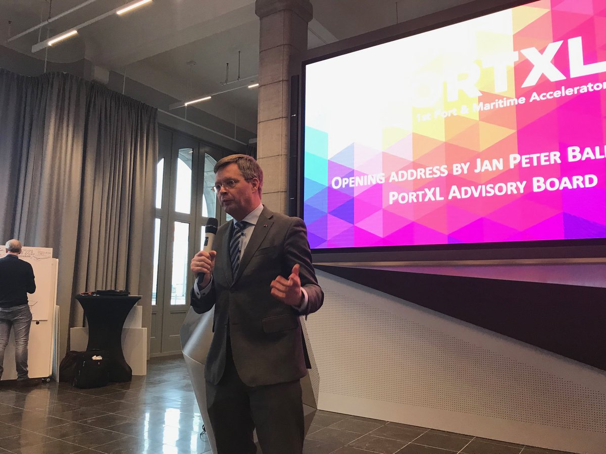 Port competition is healthy but so is port cooperation, certainly seen from the perspective of global sustainability challenges says @PortXLglobal board member and former Dutch prime minister Jan Peter Balkenende #startups #innovation @WPSP_IAPH – at Nieuw Havenhuis